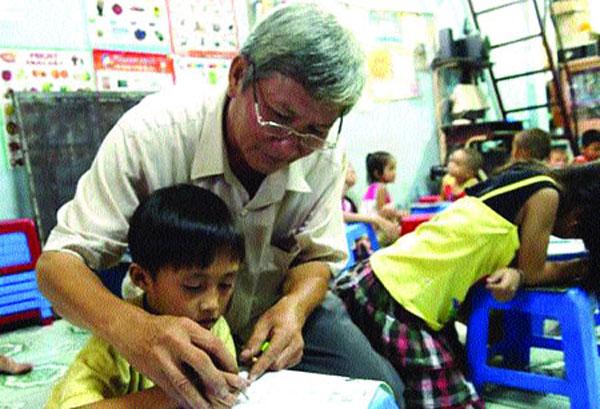 HCM City, free classes, underprivileged children