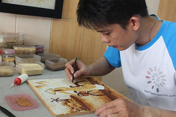 Fried rice paintings, skillful hands of artisans, rice paintings