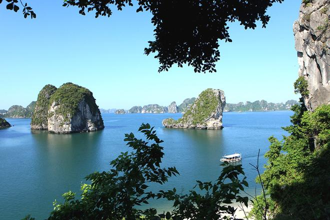 Ha Long Bay Viewed From The Top Of Mountain News Vietnamnet