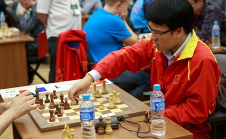 No. 1 seed Le Quang Liem ties at round eight