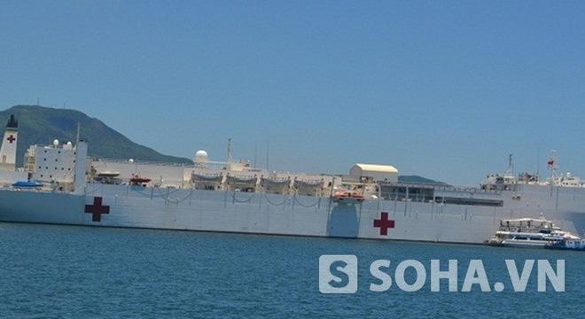 US vessels Mercy, Millinocket visit Vietnam