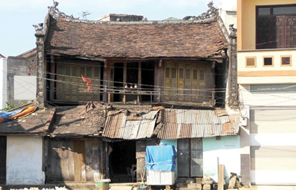 Hue struggles to protect old buildings