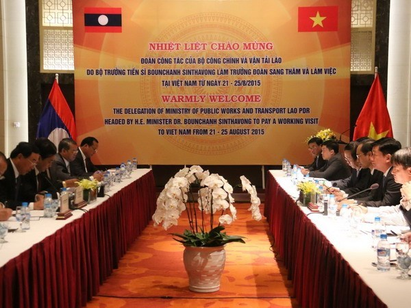 Vietnam affirms close cooperation in transport with Laos, Cambodia