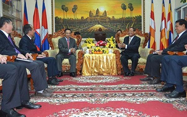 NA Chairman meets World Bank Director ahead of US visit