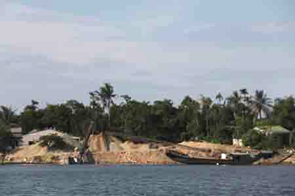 Central provinces struggle to stop illegal sand mining