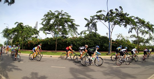 National star wins HCM City Independence Day cycling race