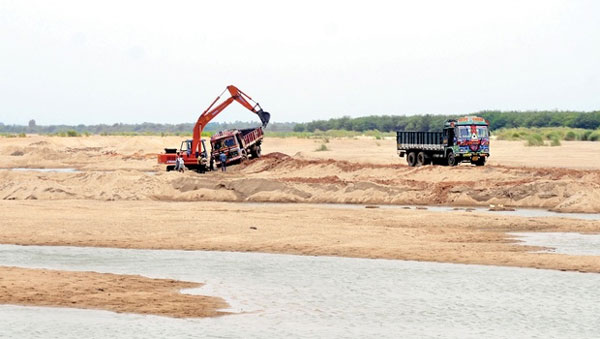 Dong Nai River, Hong River, exploitation of rivers, illegal sand exploitation