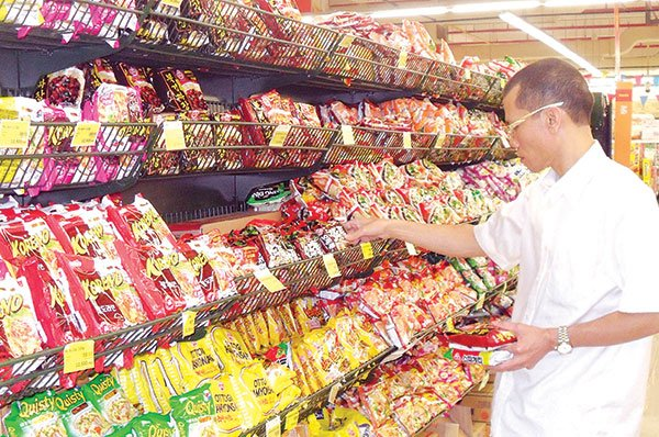 instant noodle market an economic indicator in the philippines essay Leading: leading economic indicators are indicators which change before the economy changes stock market returns are a leading indicator, as the each of the statistics in these categories helps create a picture of the performance of the economy and how the economy is likely to do in the future.