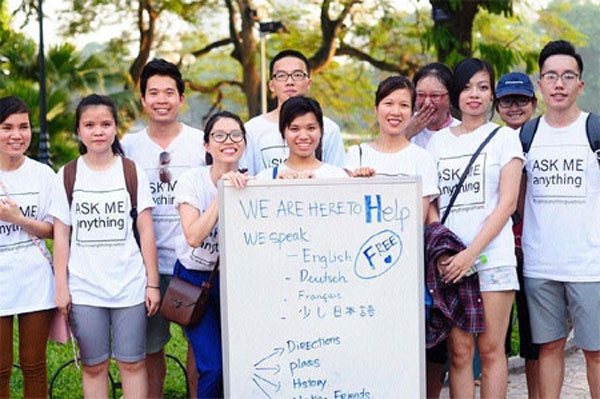 Hanoi students discover the joy of helping
