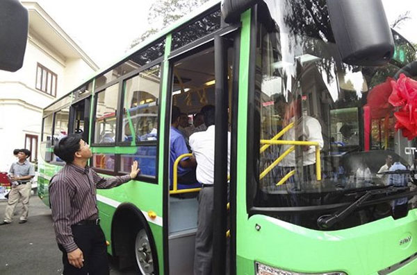 CNG-fueled bus manufacturing project extended in HCM City