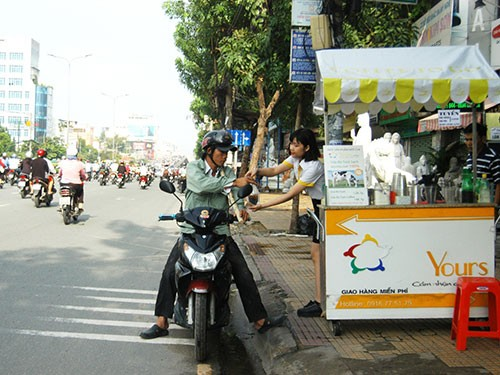 Fast food goes to Saigon streets