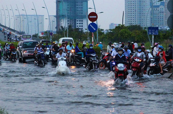 Int'l experts offer HCM City solutions to flooding
