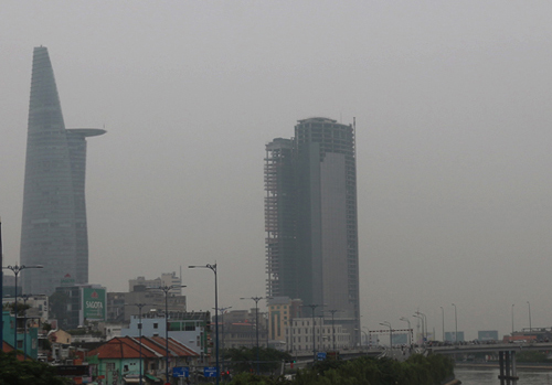 Saigon covered by 'fog' of pollution