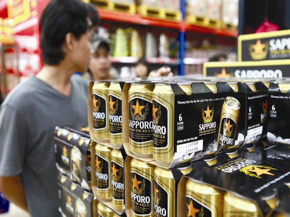 Foreign breweries grab more market share in Vietnam