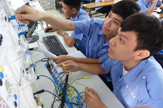VN needs half century to catch up with Thailand's labor productivity