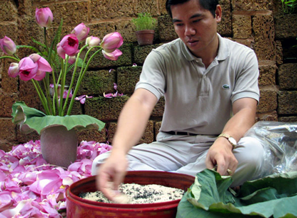 31147baeaf0a Lotus tea an age – Vietnam s old tradition - News VietNamNet