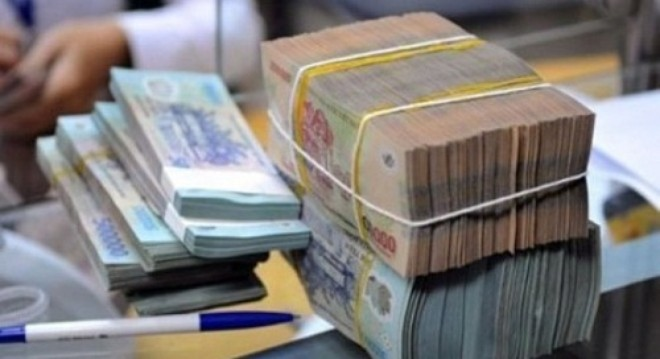 How will the government pay back the debt to SBV and Vietcombank?