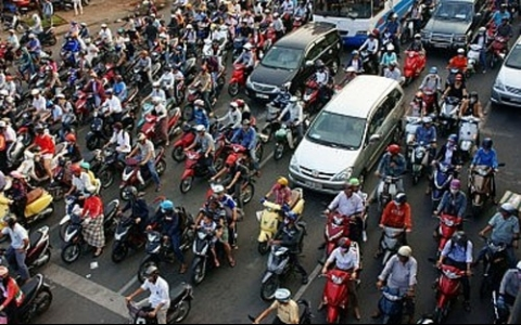 Hanoi grapples with traffic jams