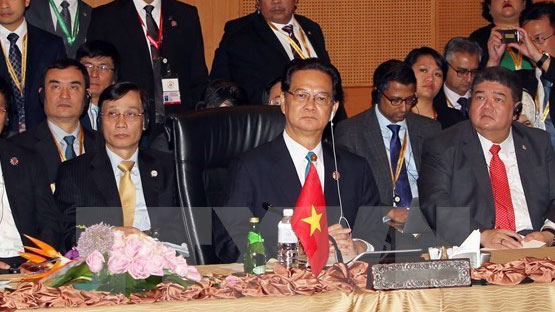 Vietnam actively contributes to 27th ASEAN Summit
