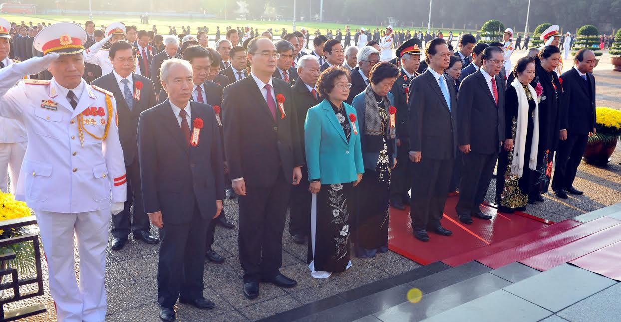 National Patriotic Emulation Congress Delegates visit Ho Chi Minh Mausoleum