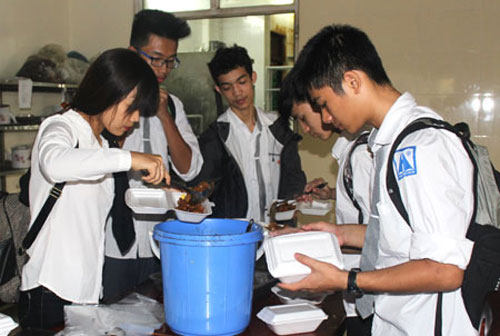 Food donations, collect food surpluses, HFR's activities, Vietnam economy, Vietnamnet bridge, English news about Vietnam, Vietnam news, news about Vietnam, English news, Vietnamnet news, latest news on Vietnam, Vietnam