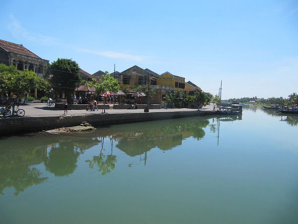 Dyke construction to protect Hoi An ancient town begins