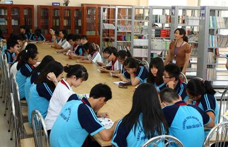 Non-teacher staff wage not enough - News VietNamNet