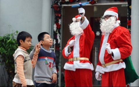 Special services spring up for Christmas