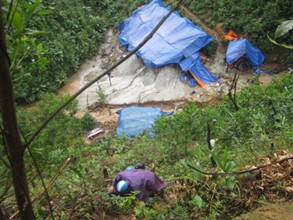 Toxic chemicals, gold mining, destroys environment, Bong Mieu gold mine, Vietnam economy, Vietnamnet bridge, English news about Vietnam, Vietnam news, news about Vietnam, English news, Vietnamnet news, latest news on Vietnam, Vietnam