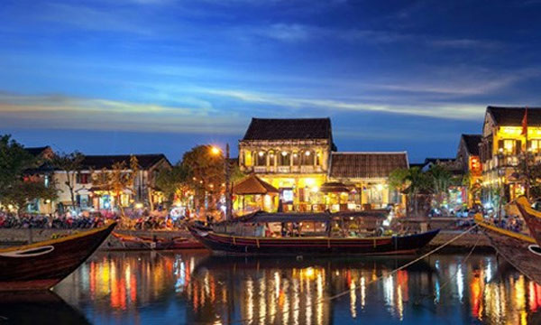 Vietnam tourist attractions on foreign newspapers