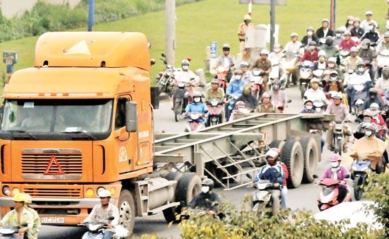Freight reduction urgent to improve Vietnamese goods' competitiveness, vietnam logistics, vietnam economy, business news, vietnamnet bridge, english news, Vietnam news, news Vietnam, vietnamnet news, Vietnam net news, Vietnam latest news, Vietnam breaki