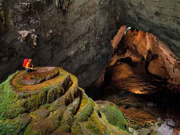 Son Doong Cave looks like it's on another planet