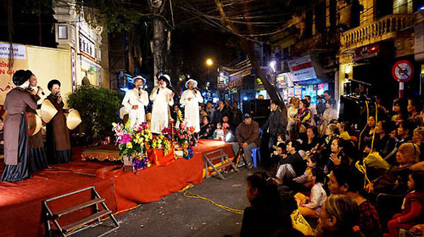 Cheo traditional theater, Cai Luong plays, folk singing, Vietnam economy, Vietnamnet bridge, English news about Vietnam, Vietnam news, news about Vietnam, English news, Vietnamnet news, latest news on Vietnam, Vietnam
