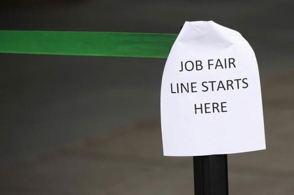 U.S. jobs market seen fairly healthy despite slowing economy