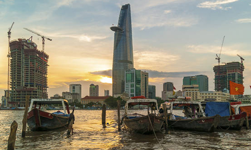 Major foreign investors come to Vietnam in early January