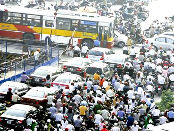 Hanoi to spend $1m to reduce traffic jams