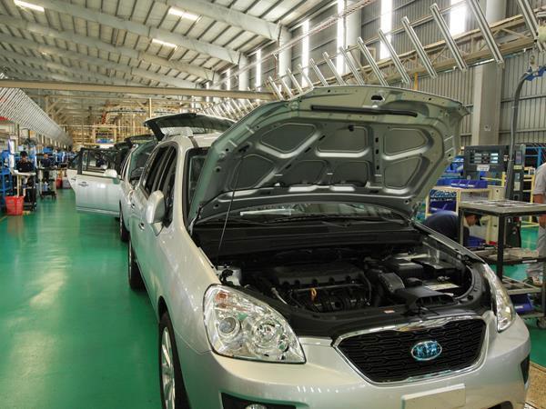 Auto sector policies, special consumer tax, overloaded trucks, Vietnam economy, Vietnamnet bridge, English news about Vietnam, Vietnam news, news about Vietnam, English news, Vietnamnet news, latest news on Vietnam, Vietnam