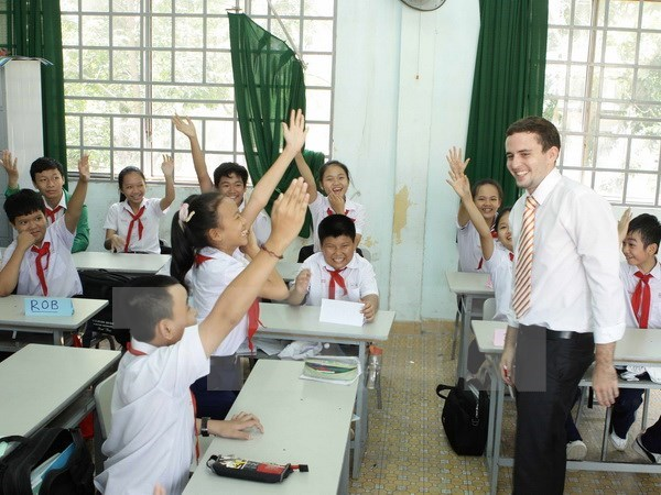 Vietnam overhauls English teaching quality at primary level