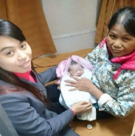 Woman gives birth on Saigon - Hanoi train