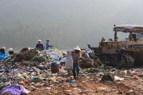Vietnam economy, Vietnamnet bridge, English news about Vietnam, ATM cards, Vietcombank, payment services, Vietnam news, news about Vietnam, English news, Vietnamnet news, latest news on Vietnam, Vietnam, waste treatment plant, MONRE