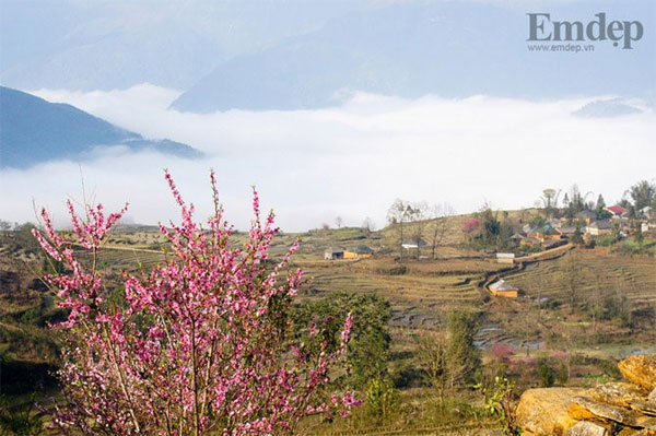 Y Ty mountainous village in spring