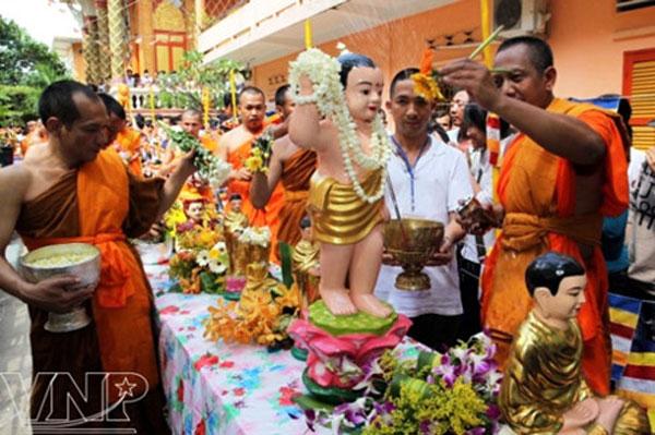Chol Chnam Thmay festival, Khmer new year festival, Khmer pagodas, Vietnam economy, Vietnamnet bridge, English news about Vietnam, Vietnam news, news about Vietnam, English news, Vietnamnet news, latest news on Vietnam, Vietnam