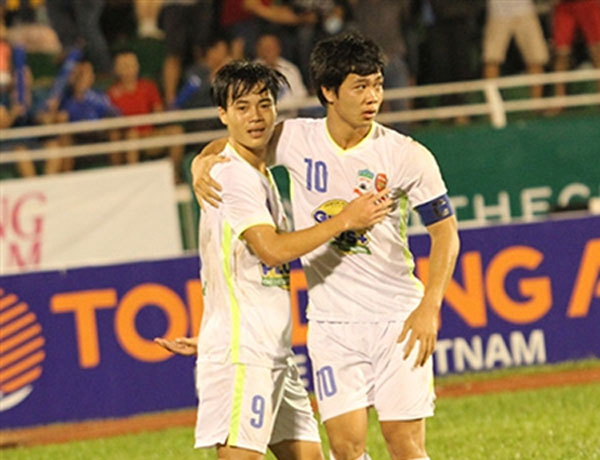 Phuong wins 'most favourite footballers 2015' award