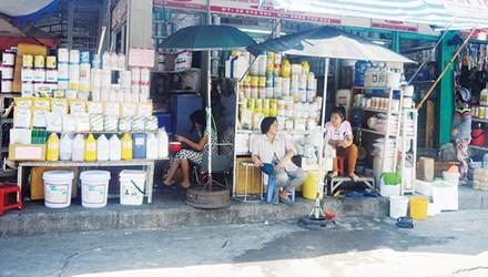 "The market of ""death"" in Saigon, kim bien market, food quality, food hygiene, food poisoning, social news, vietnamnet bridge, english news, Vietnam news, news Vietnam, vietnamnet news, Vietnam net news, Vietnam latest news, vn news, Vietnam breaking news"