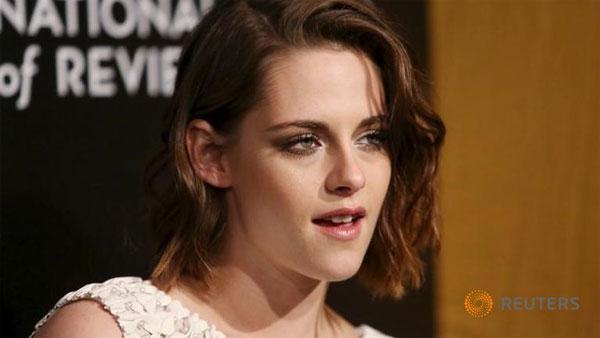Queen Kristen steals Cannes spotlight from Oscar winners Roberts and Foster