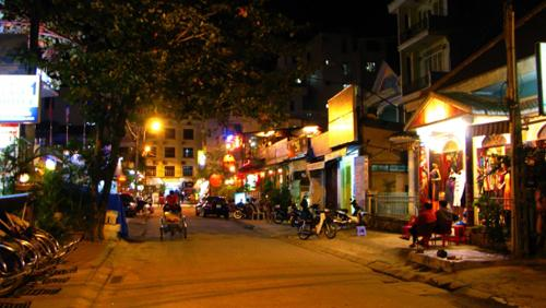 Famous streets for foreign tourists in Vietnam, travel news, Vietnam guide, Vietnam airlines, Vietnam tour, tour Vietnam, Hanoi, ho chi minh city, Saigon, travelling to Vietnam, Vietnam travelling, Vietnam travel, vn news