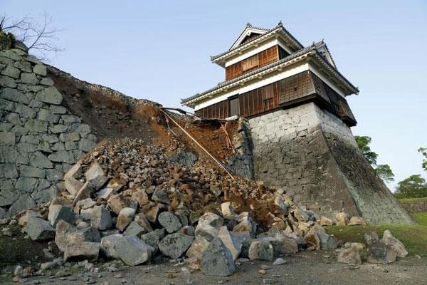 Japan, Kumamoto Castle, earthquakes