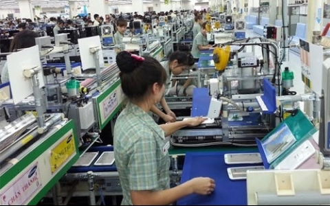 Phone exports reach $3.57 billion in March, VN Pangasius denies sharp fall in tra fish output, China okays restarting of live shrimp imports, Vietnam urged to fasten reforms to benefit from FTAs, New Director General of Vietnam Customs