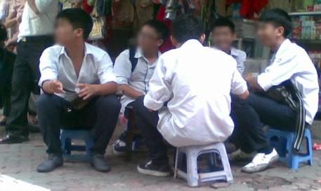 vietnamnet bridge, english news, Vietnam news, news Vietnam, vietnamnet news, Vietnam net news, Vietnam latest news, vn news, Vietnam breaking news, dissolved businesses, VCCI, naughty students, high school students, Thai Binh province