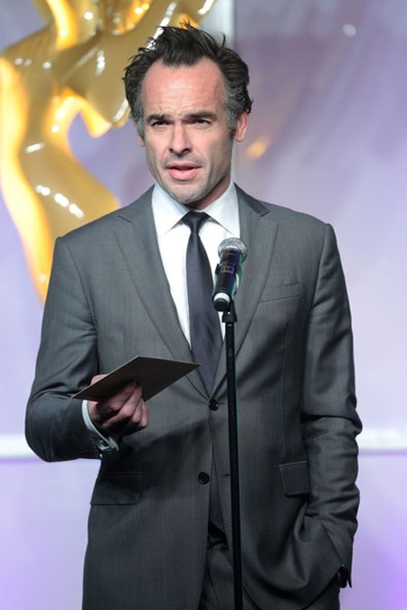 Hollywood actor Paul Blackthorne spreads message of keeping rhino horny